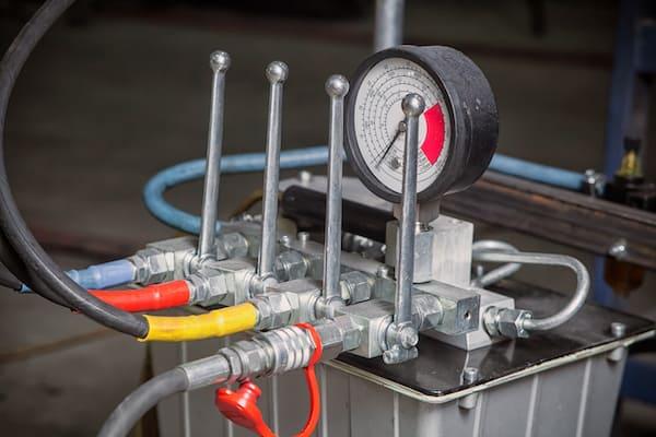 hydraulik kontrolleinheit